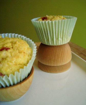 Cake de Polenta e Linguiça Defumada